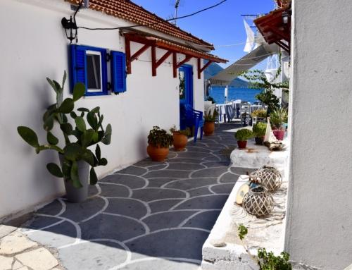 Mytikas een bijzonder dorp aan een mooie baai